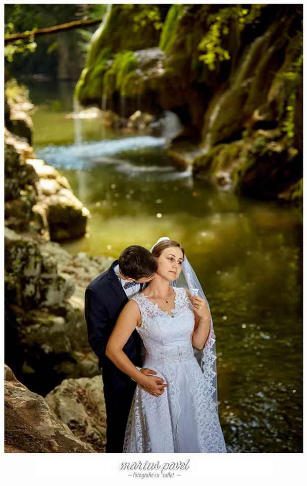 Sedinta foto nunta Cascada Bigar